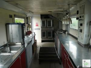 MERCEDES 1820 LORRY WITH A MOBILE KITCHEN